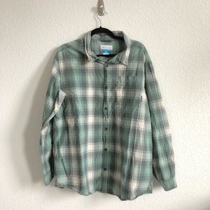Columbia checkered button down long sleeve